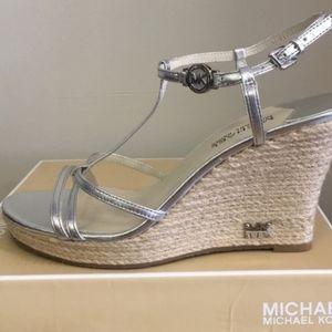 🌺 Michael Kors Silver Wedge Sandals 🌺